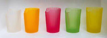 Bicchieri per bibite e involucri per alimenti commestibili